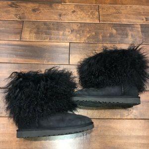 Women's size 8 black ugg sheepskin cuffs boots